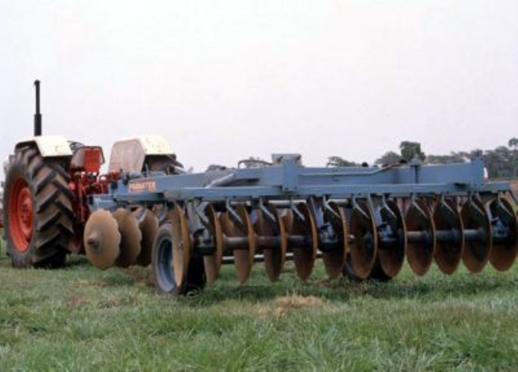 Names Of Parts Of Farm Tractors : Disc harrow farming equipment canada